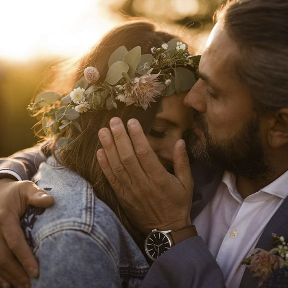 """""""Egyikünk sem akart szaténmasnis, feszengős, nagy lagzit kötelező programokkal"""" – #viviatiesküvő"""