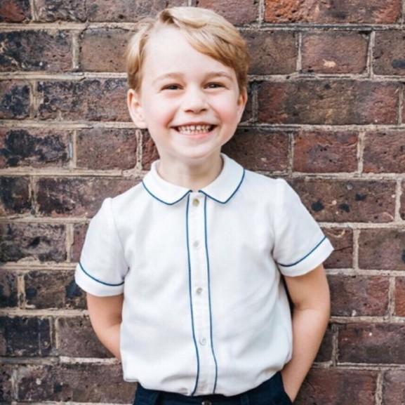 Elképesztő ajándékot kap György herceg az 5. szülinapjára!