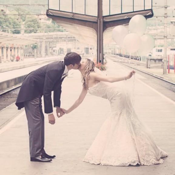 eskuvo-menyasszony-volegeny-hazassag-lufi