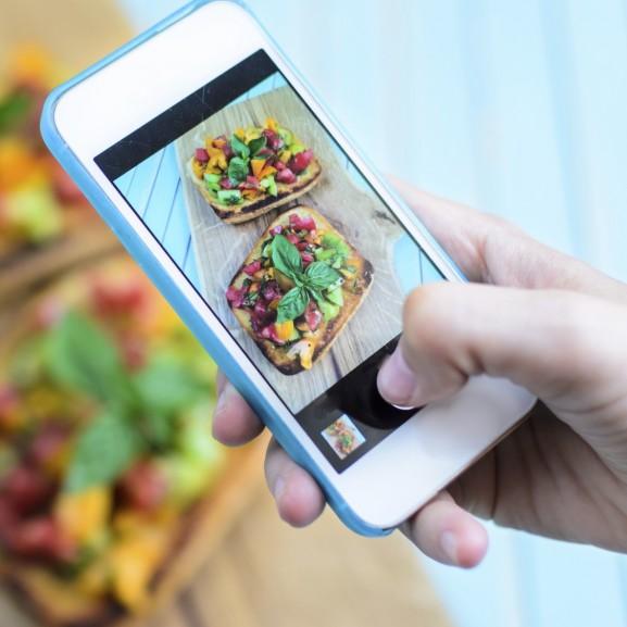 étel kaja fotó telefon
