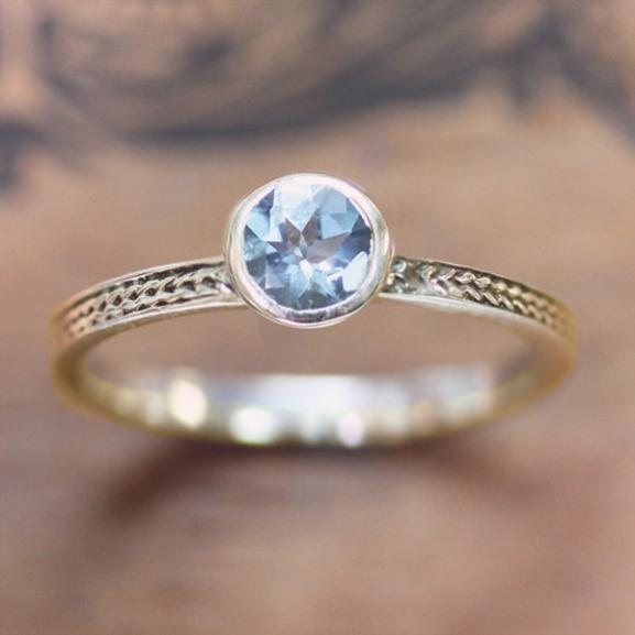 Színes eljegyzési gyűrűk, amiktől azonnal férjhez akartok majd menni