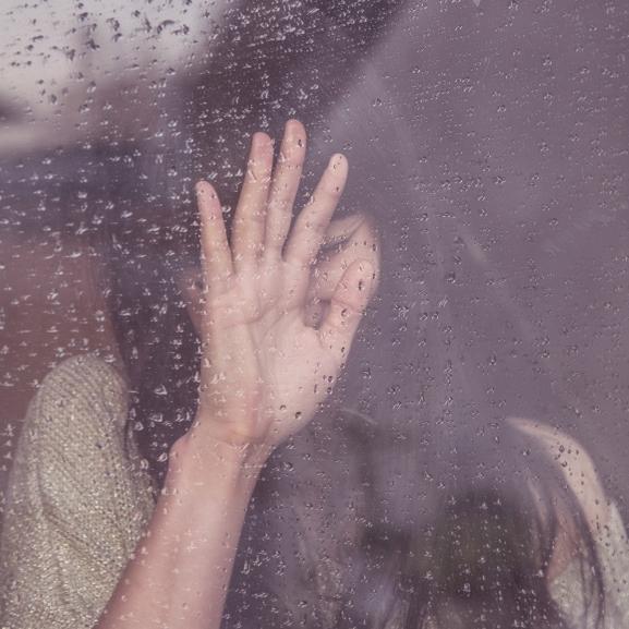 Szakítás, válás, haláleset – 12 dolog, amit tudnotok kell, ha igazán szomorúak vagytok