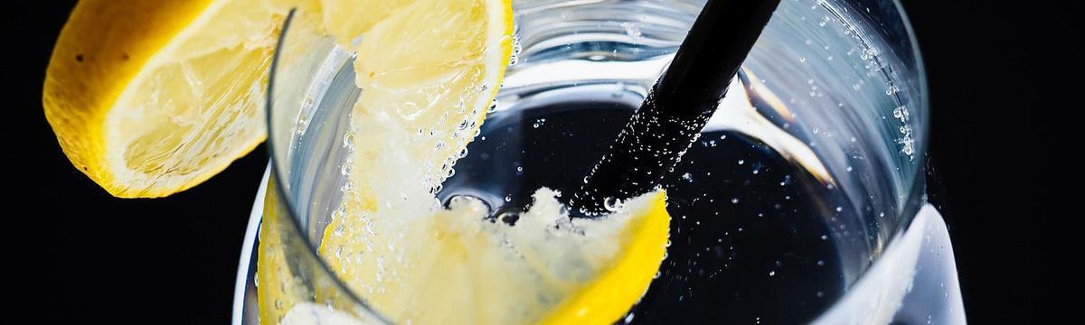 5 figyelmeztető jele van annak, hogy túl kevés vizet isztok