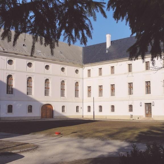 gyermekotthon bicske Batthyány kastély