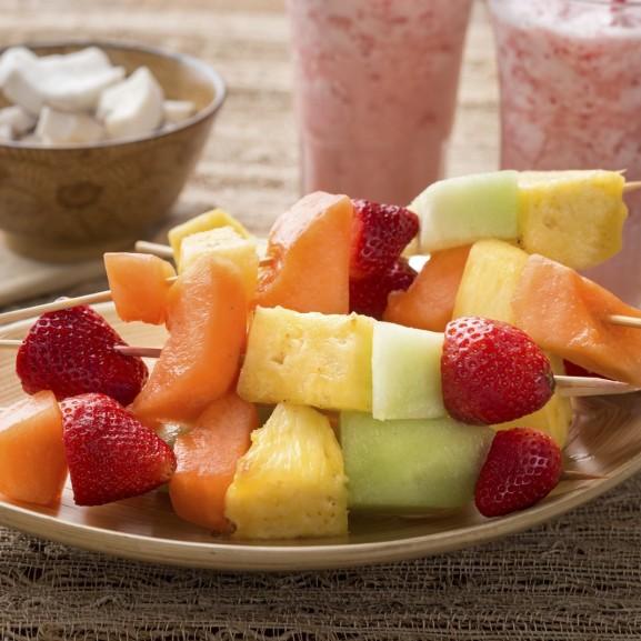gyümölcs nyárs desszert
