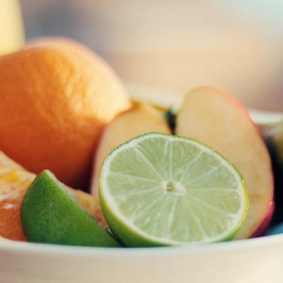 gyümölcsök gyümölcstál