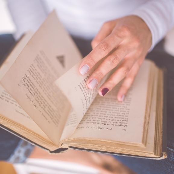 5 könyv, amit olvassatok el a 30. szülinapotok előtt!