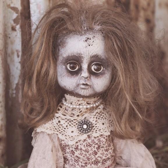 horror baba játékbaba