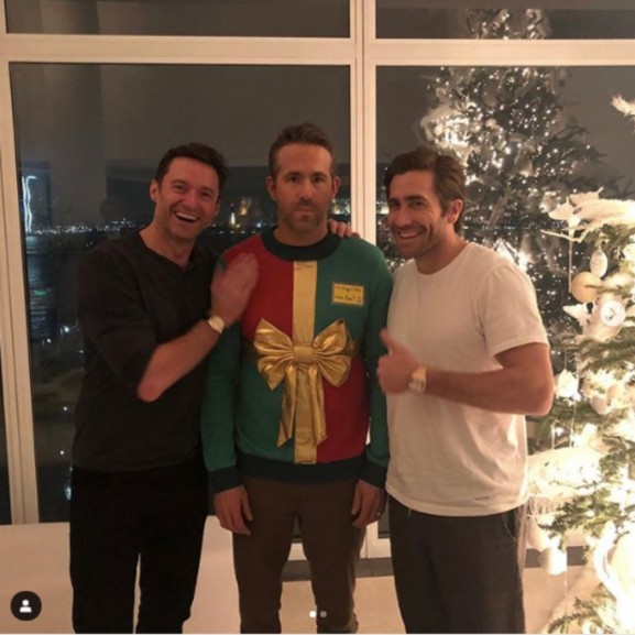 Hugh Jackman és Jake Gyllenhaal megviccelte Ryan Reynoldsot