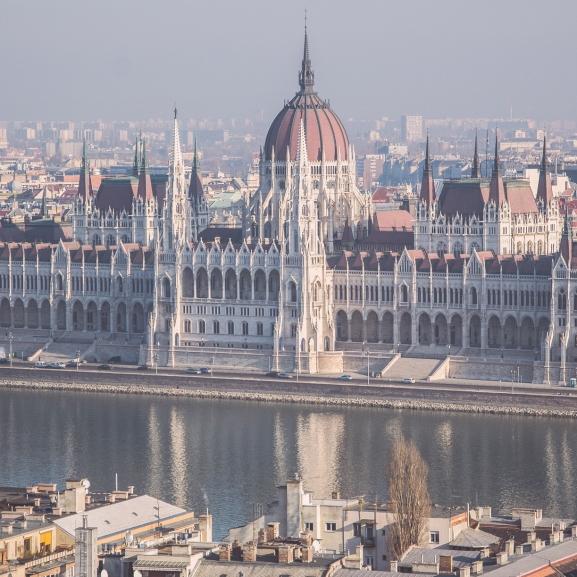 Kompok a villamosok helyett? – Ilyen is lehetne Budapest