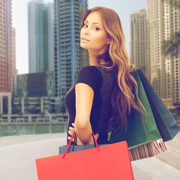 Így vásárolnak ruhát… Dubajban – Ahol elvárják, hogy a legújabb legyen mindenből mindenkin