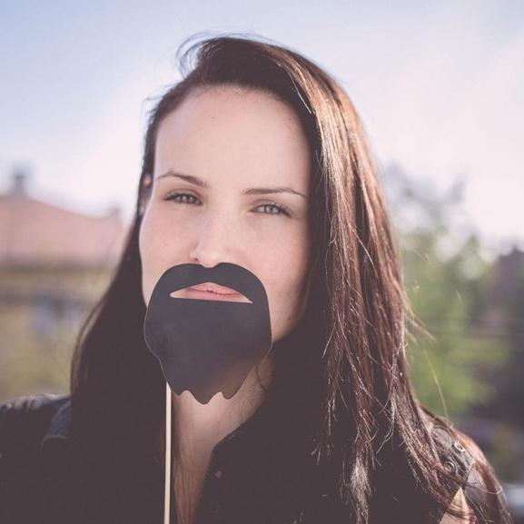 Itt a Movember! – Mi, lányok is szakállat növesztettünk