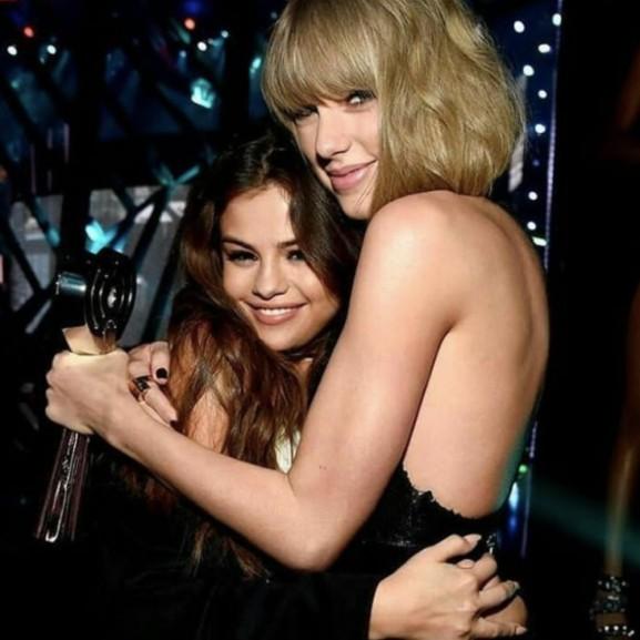 Irígylésre méltó Selena Gomez és Taylor Swift barátsága