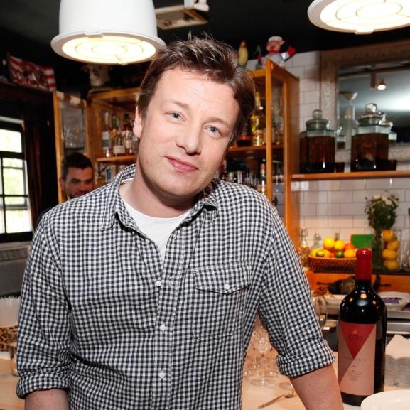 Jamie Oliver megakadályozná, hogy Coca Cola és a McDonald's támogassa az olimpiát