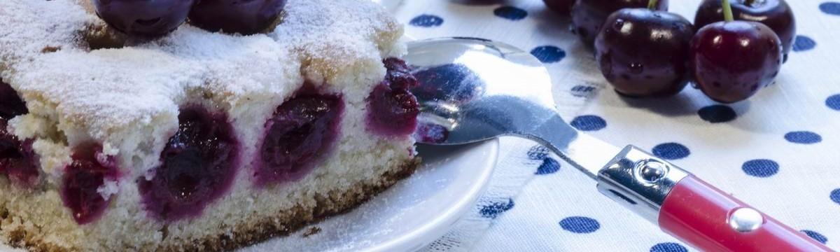 Joghurtos kevert süti cseresznyével