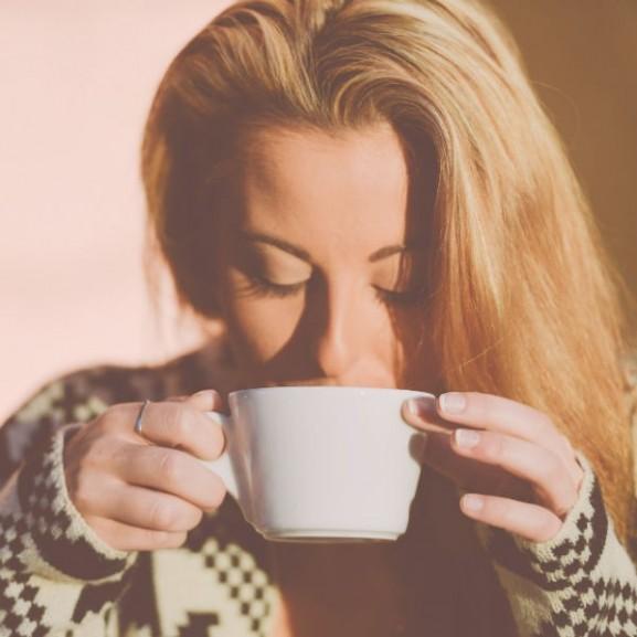 kávé nő