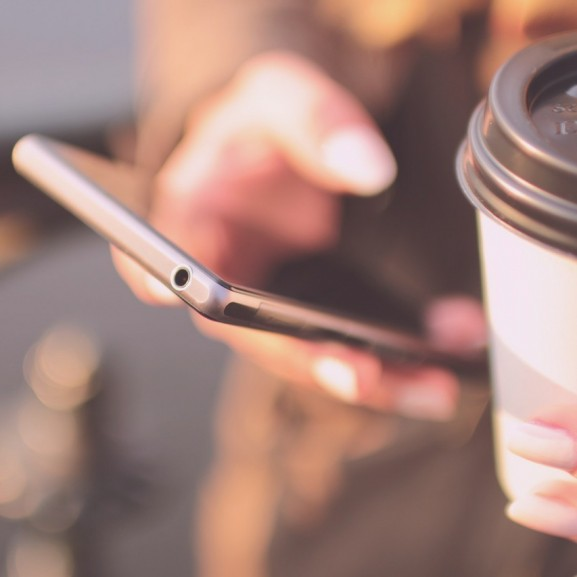 kávé telefon mobil