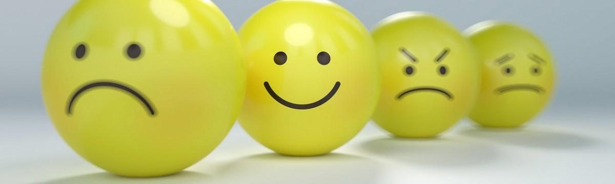 kedvesség mosoly