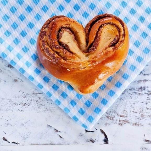 Kelt tészta kakaós csiga süti szív