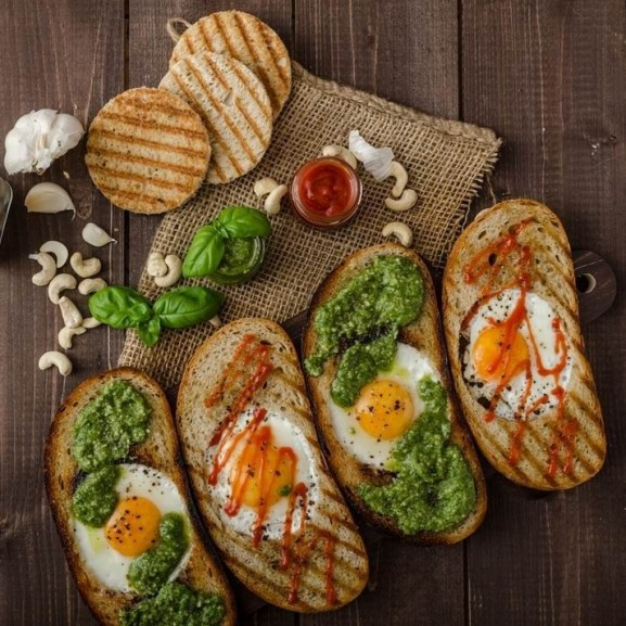 kenyerben-sult-tojas1