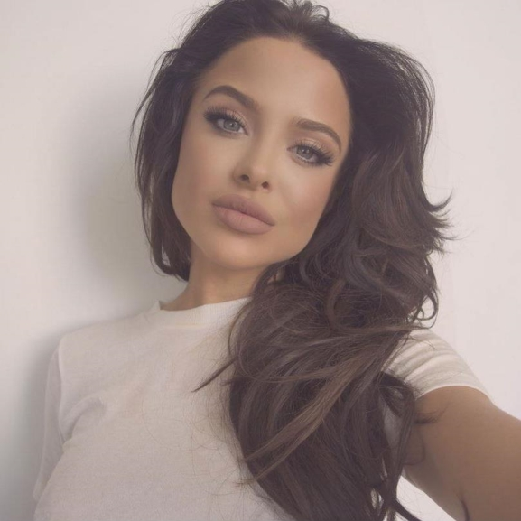Angelina Jolie szakasztott mása ez a lány!