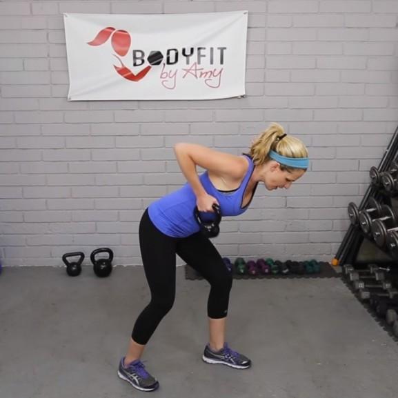 kettlebell testmozgás videó