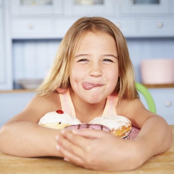 kislány gyerek felnőtt cukor függőség édesség
