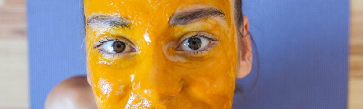 Kurkumás arcpakolás természetes szépségápolás