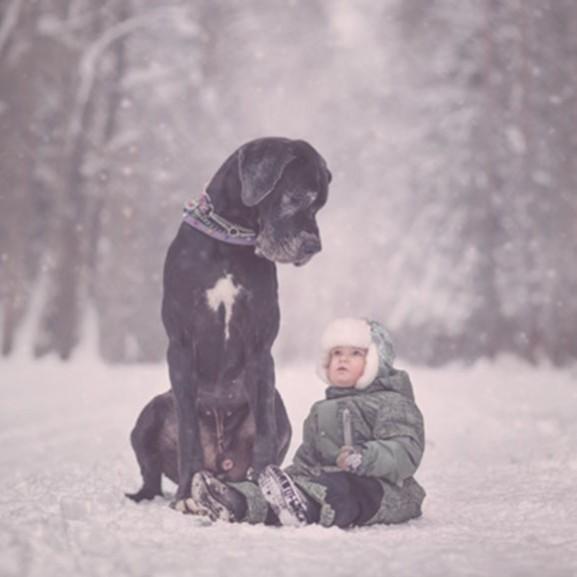 kutya gyerek fotó
