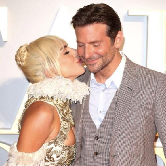 Lady Gaga és Bradley Cooper között talán több van, mint barátság?