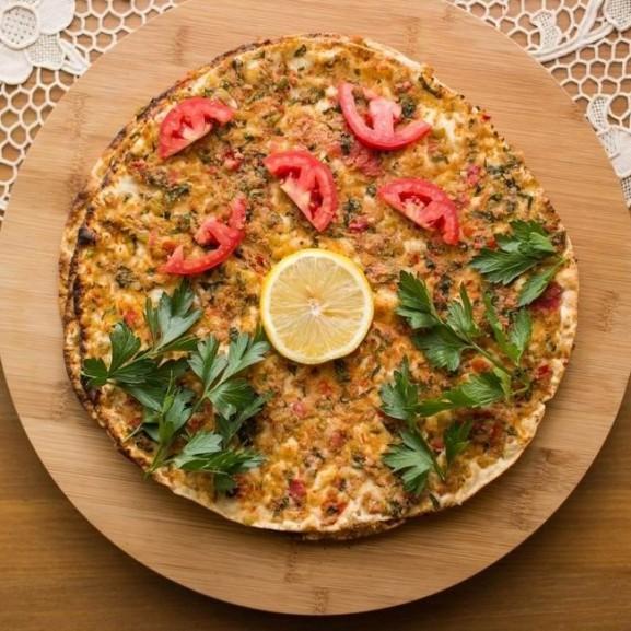 lahmadzsun-ormeny-pizza-lepeny