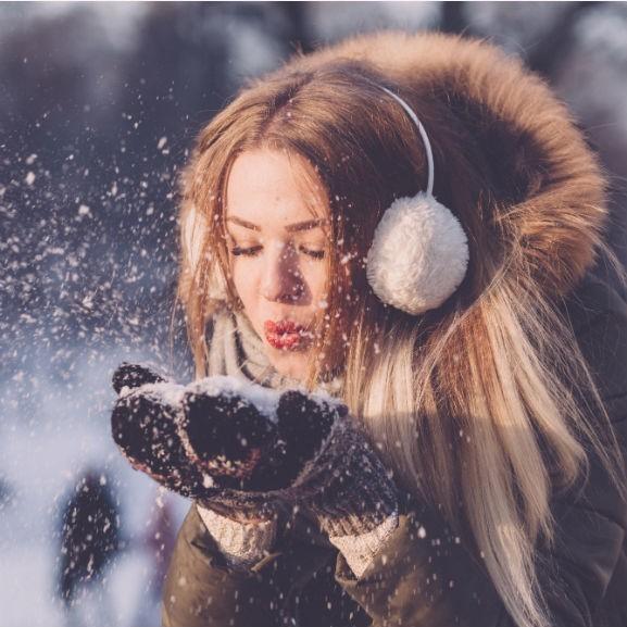 lány hó