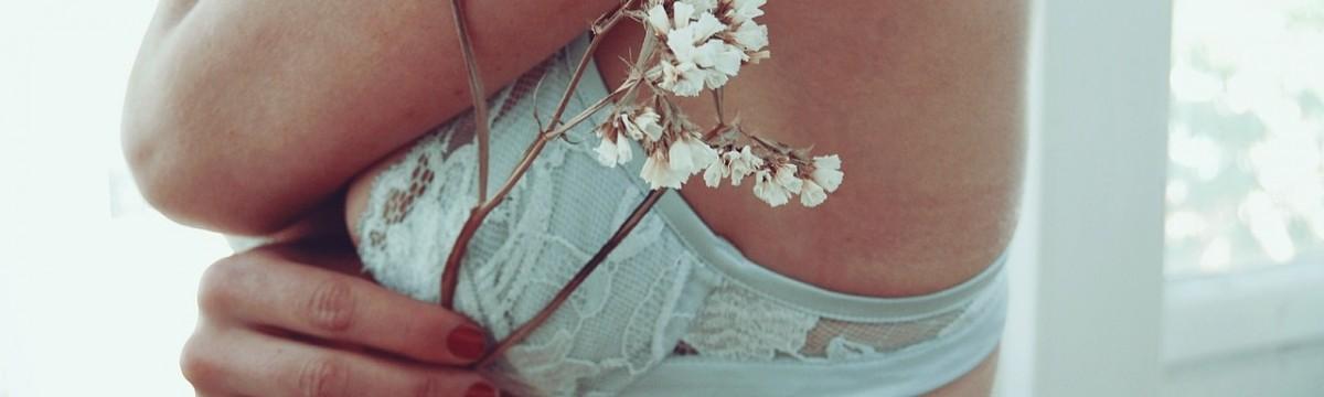 mell virág nő