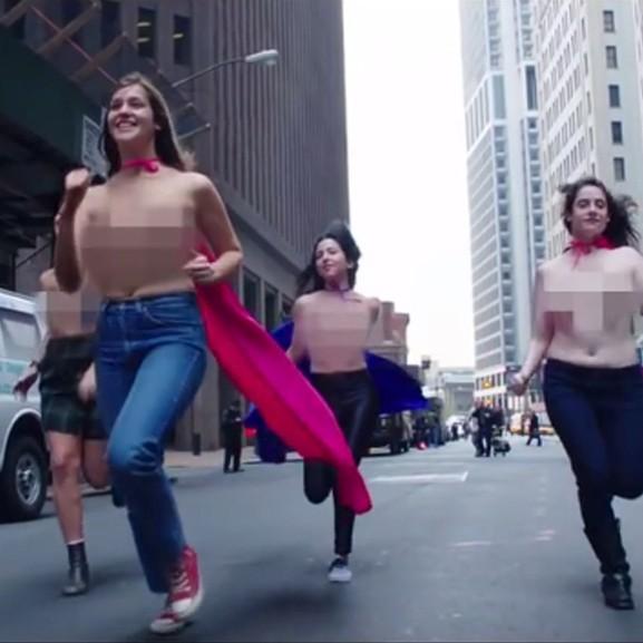 Mellbimbó forradalom: Miért meztelenkedhetnek a férfiak, ha a nők nem?
