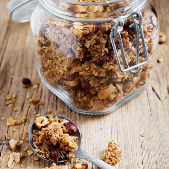 mogyoros-mezes-hazi-granola-oszi-teli-izben-termeszetesen