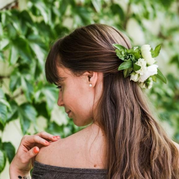 Mojzes Nóra Filléres és mutatós diy virág fejdísz - esküvőre, fesztiválra vagy akár egy romantikus vacsorára
