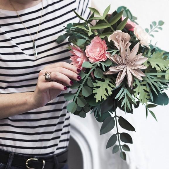 Mojzes Nóra Ha a vágott virág hamar elhervad, a cserepes növények pedig sehova sem férnek...keressétek fel Karcsit!