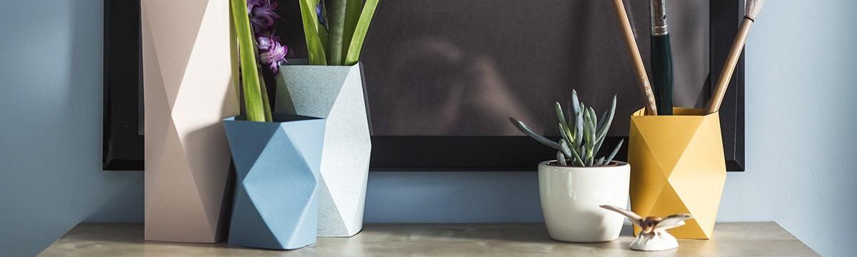 Mojzes Nóra  Két dimenzióból három – avagy készítsetek lakberendezési kiegészítőket az origami segítségével