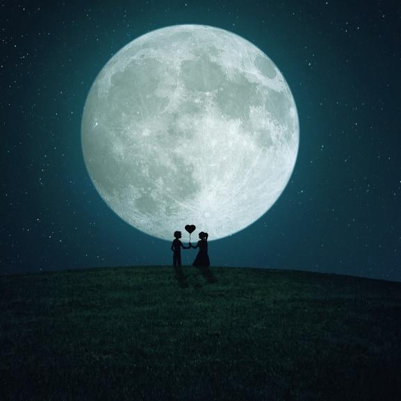moon-3468632_1920