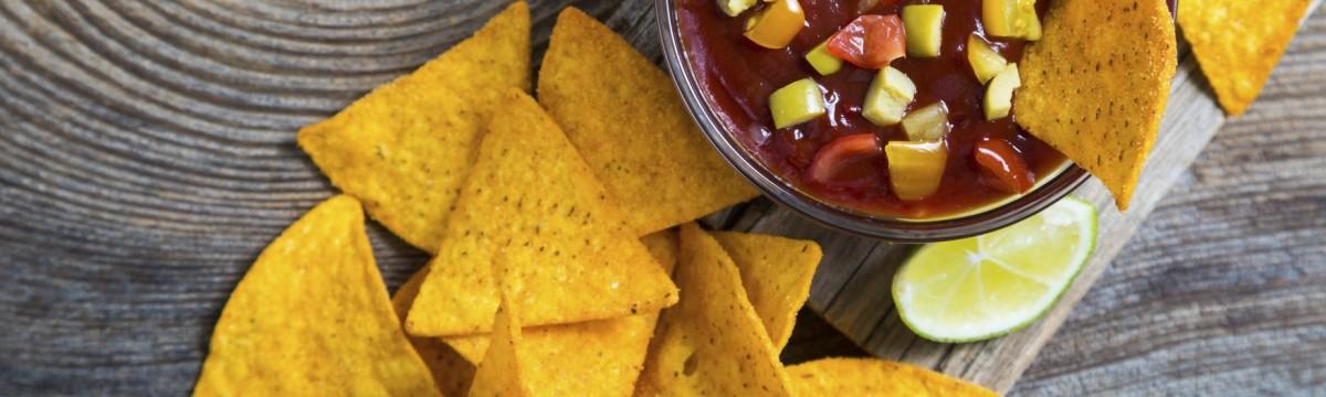 nachos nassolás este édesség