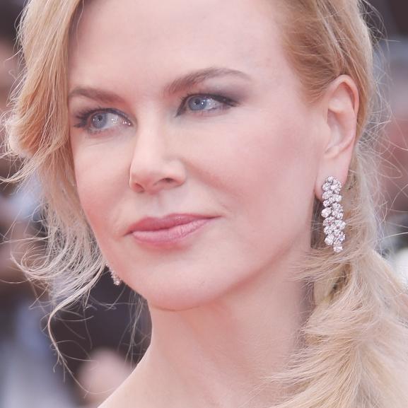Karácsonyfának öltözött Nicole Kidman a vörös szőnyegen