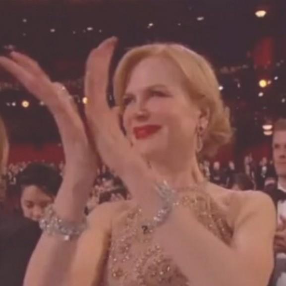 Nicole Kidman taps