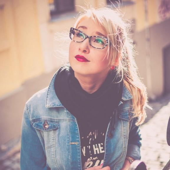 nő szemüveg