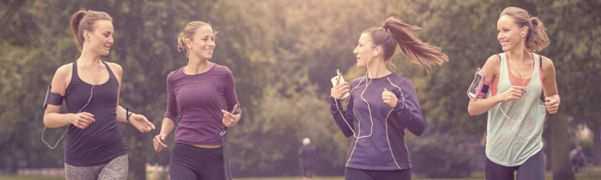 nők lányok futás