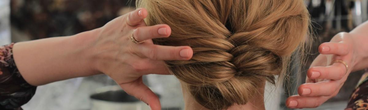NORIE-videó romantikus frizura