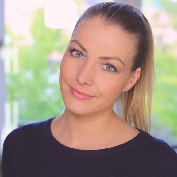NORIE-videó: színes, őszi smink
