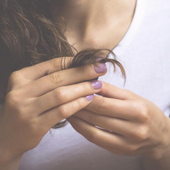 NORIE-tipp – Arckrémmel ápoljátok töredezett hajszálaitokat!