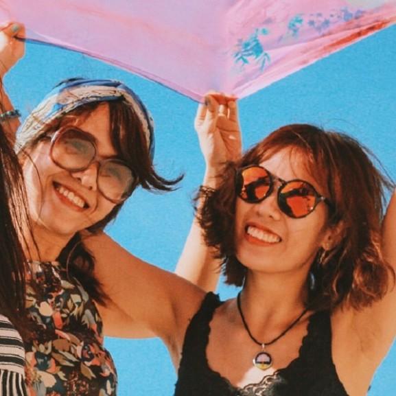 nyár lányok barátság