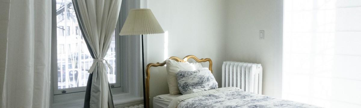 Olcsó módszerek, hogy vakítóan fehérek legyenek a függönyeitek függöny fehér