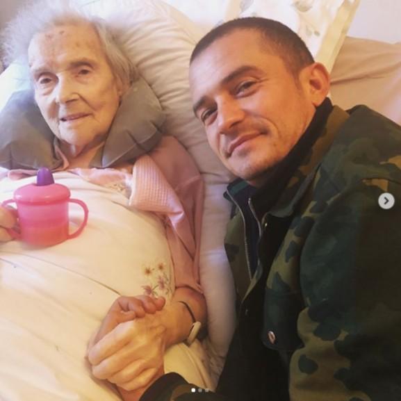 orlando bloom nagymamájával
